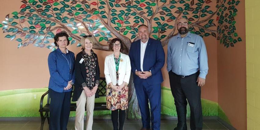 Minister Smith visits JMCC